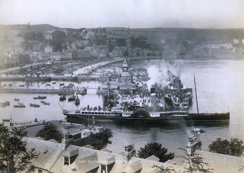 redgauntlet-at-rothesay-in-1899-with-columba-lord-of-the-isles-and-a-caley-steamer-andrew-clark-collection